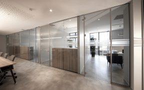 Szklane drzwi i sciany w Twoim domu Zalety i wady takich rozwiazan architektonicznych